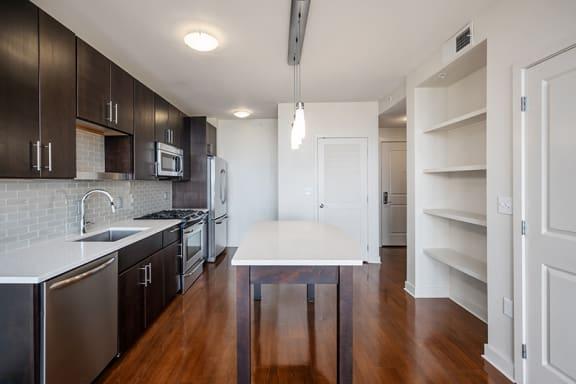 Verde Pointe Arlington VA Olive 1 Bedroom Kitchen