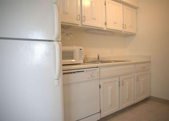 kitchen cabinetsat Woodmere Townhomes, Wisconsin