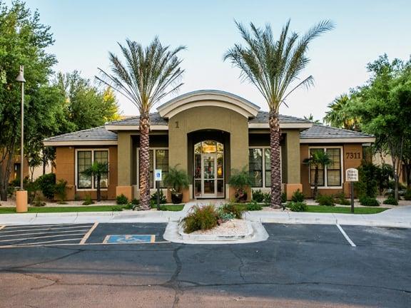 Luxurious Resident Clubhouse at Mesa, AZ Apartment Near Freestone Park