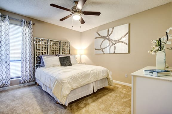 Bedroom With Ceiling Fan at Sterling Bluff Apartments, Savannah, GA, 31406