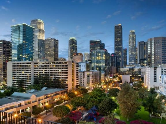Striking Panoramic Views From Sky Lounge At Renaissance Tower, Los Angeles, 90015
