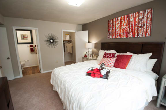 Carpet in Bedrooms at Sterling Beaufont Apartments, Richmond