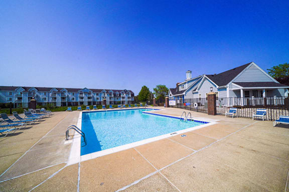 Swimming Pool with Wi-Fi at The Crossings Apartments, Grand Rapids
