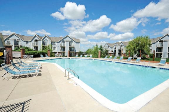Sparkling Pool With Wi-Fi at Huntington Cove Apartments, Merrillville