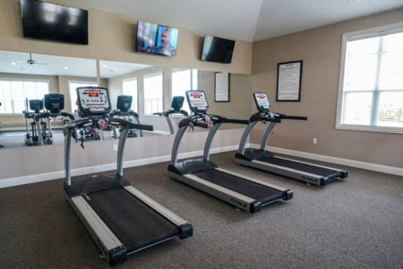 24-hour Fitness Center at Stoney Pointe Apartment Homes in Wichita, KS