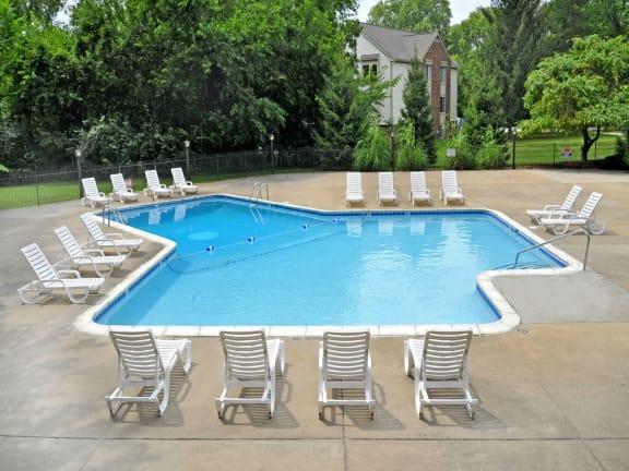 Seasonal swimming pool