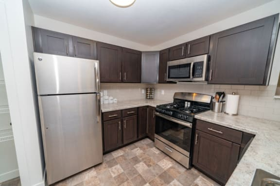 Stainless Steel Appliances at Trade Winds Apartment Homes in Elkhorn, Nebraska 68022