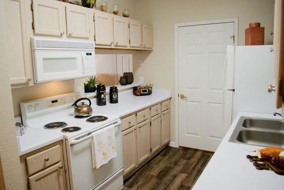 Full Kitchen at Albuquerque Apartments near Cibola High School