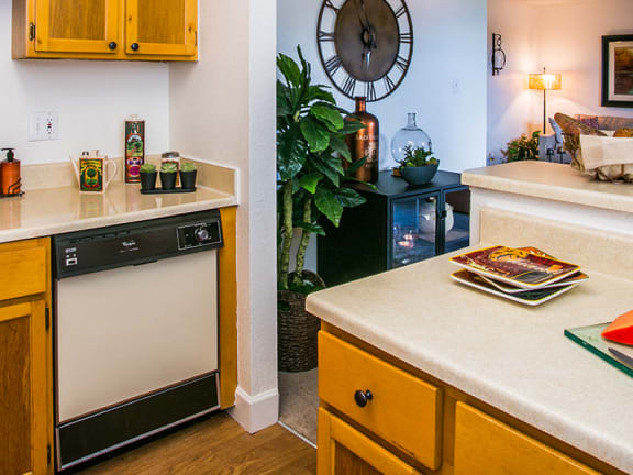 Albuquerque Apartments for Rent on Montano and Coors with Full Kitchen and Dishwasher