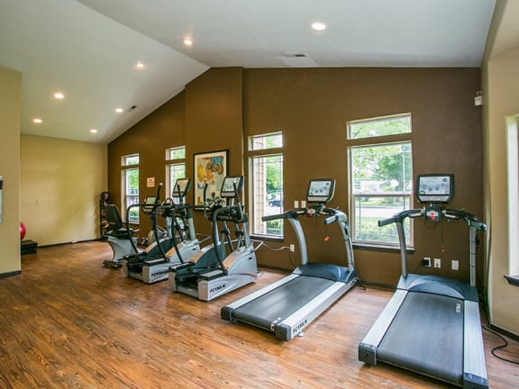 Fitness Center with Free Weights at Apartments Near Washington State University