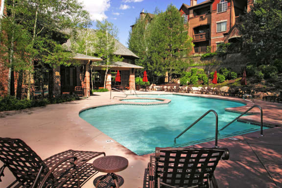 Crystal Clear Swimming Pool and Sundeck at Cottonwood Apartments for Rent in West Valley