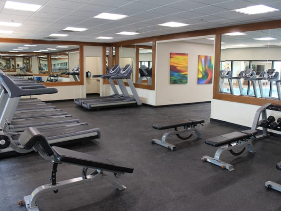 Fully equipped fitness center at Reserve Square, Ohio