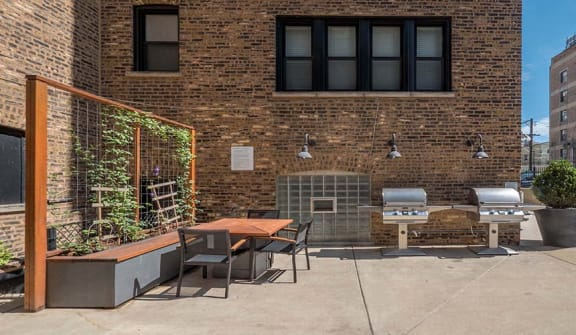 Patio at Reside on Irving Park