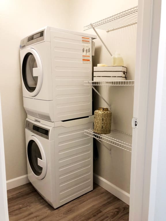98Hundred Apartments In Home Washer and Dryer