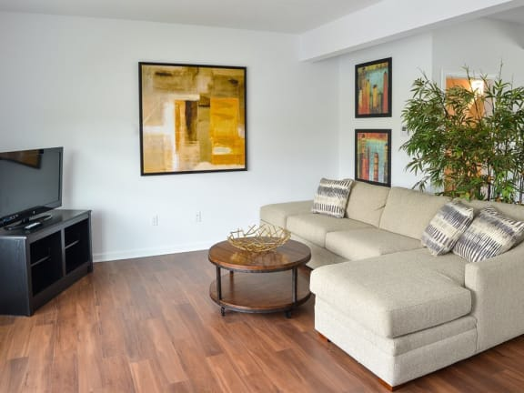 hardwood floors at Highland Village townhouses in Ross Township, Pittsburgh