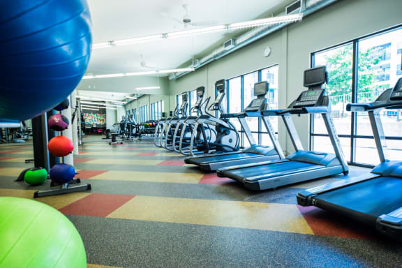 apartments in east austin with a fitness center