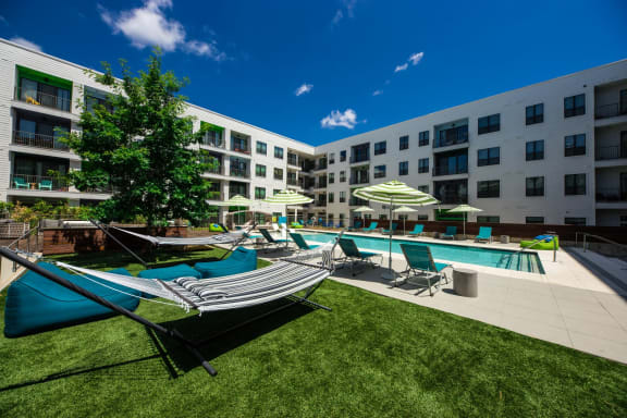 apartments in east austin with pool