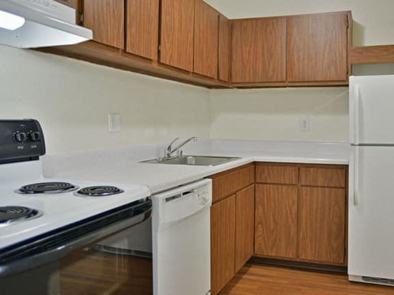 Efficient Kitchen Appliances at Windsor Place apartments in Davison, MI