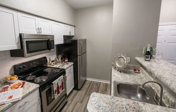 Fully Equipped Kitchen at Wyndchase at Aspen Grove, Franklin