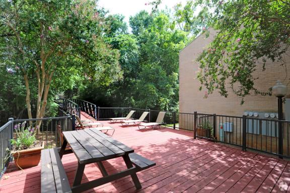 Picnic area, at Cambridge Court Apartments, Texas