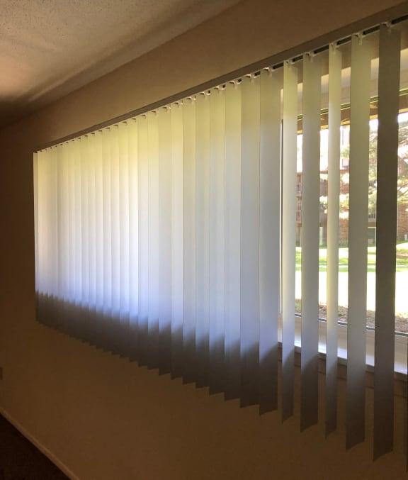 Blinds Available at Candlewyck Apartments, Kalamazoo, MI, 49001