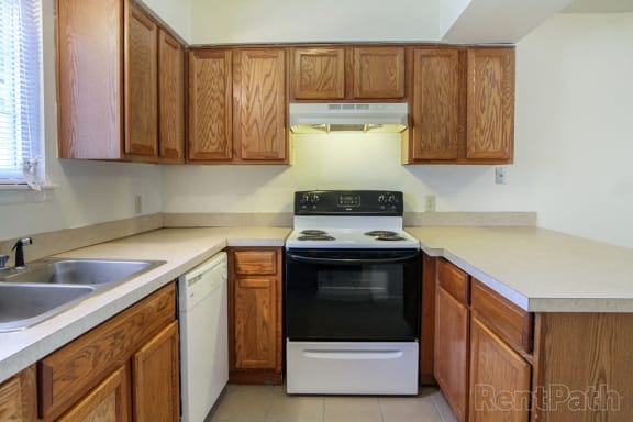 All Electric Kitchen at Country Lake Townhomes, Indianapolis