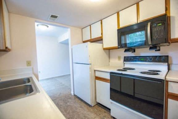 All Electric Kitchen at Walnut Creek Apartments, Kokomo, IN