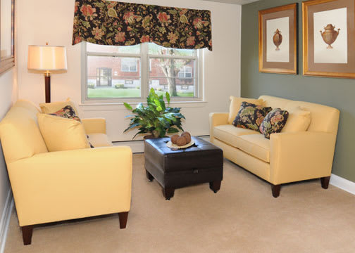 Loch Bend Apartments Carpeting