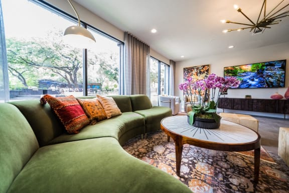 lounge apartments on south congress