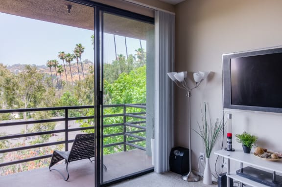 Spacious Balcony Cum Living Room View at Hollywood Vista, Hollywood