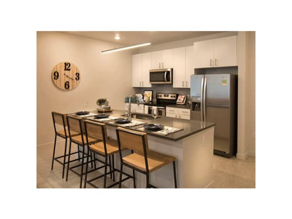 Kitchen Bar With Granite Counter Top at Cycle Apartments, Colorado, 80525