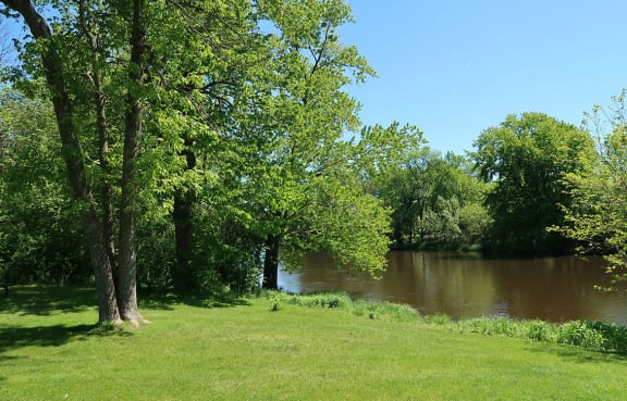 Nature Friendly Surroundings at River Place Apartments, Milwaukee, Wisconsin