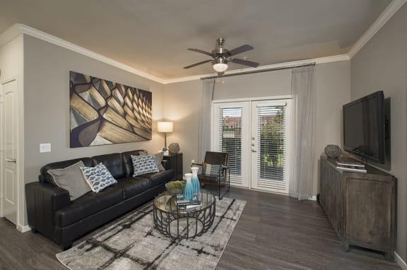 living room shadow creek apartments