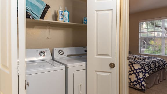 Washer and Dryer in Units in Oro Valley AZ 85737