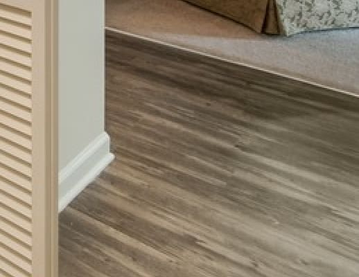 Wood Style Floors at Patchen Oaks Apartments, Kentucky