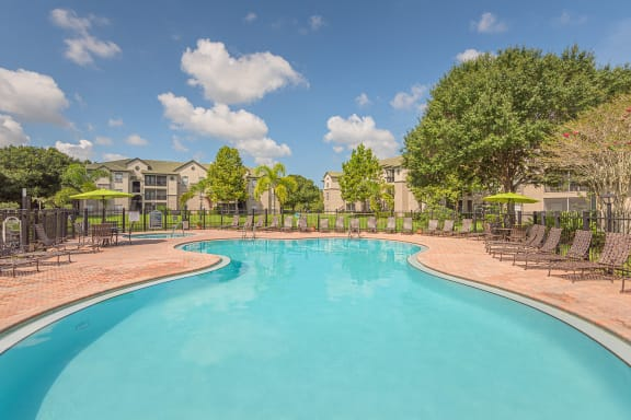 Versant Place Apartments resort-style pool with spa