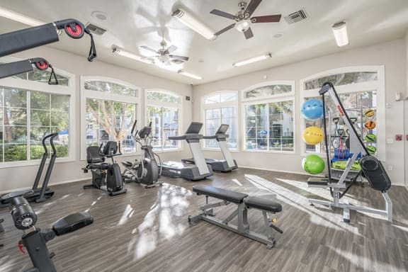 Sonterra Apartments at Paradise Valley - 24-hour state-of-the-art fitness center