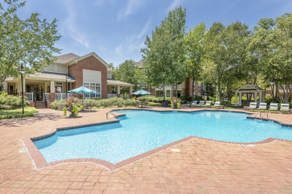 Belle Harbour Apartments - Resort-style pool