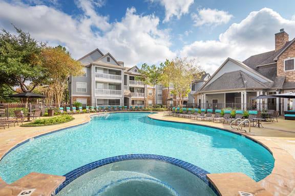 Lodge at Cypresswood - Swimming pool