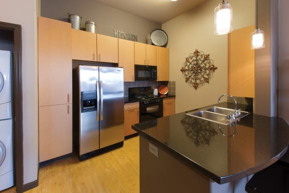 Foothills at Old Town Apartments granite countertops in kitchen