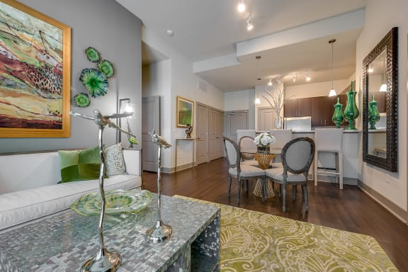 Cityplace Heights - Open layout apartments with high ceilings