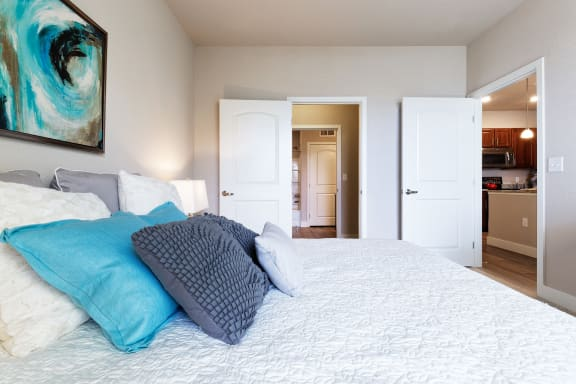 The Haven at Shoal Creek spacious walk-in closets