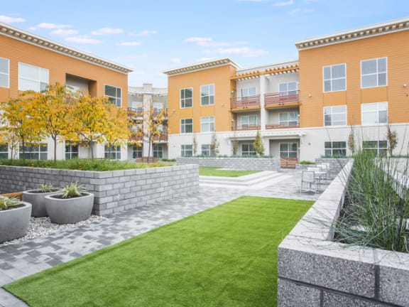 Courtyard and apt view Mode Apartments for rent in San Mateo