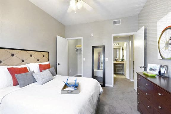 Clear Creek Meadows apartments with walk-in closets