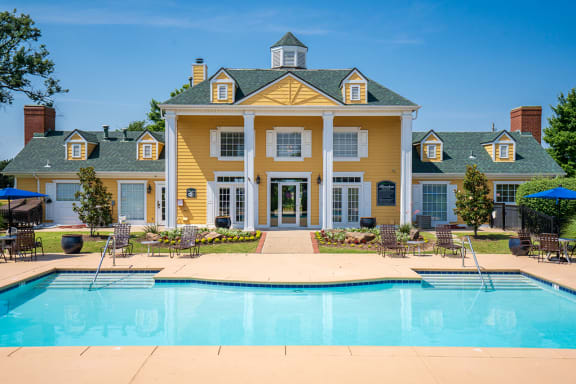 Riverchase Apartments Leasing Center Overlooking the Large Pool