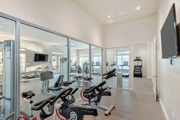 Everlee 24-hour fitness center