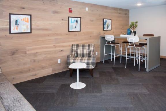 Lounge at Aspenwoods Apartments, Eagan, MN
