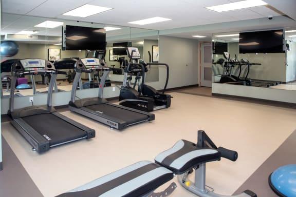 24-Hour Fitness Center at Aspenwoods Apartments, Minnesota, 55123