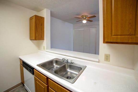 Dishwasher at Creekside Square, Indianapolis, 46254