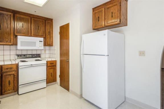 Refrigerator And Kitchen Appliances at Scottsmen Too Apartments, Clovis, CA